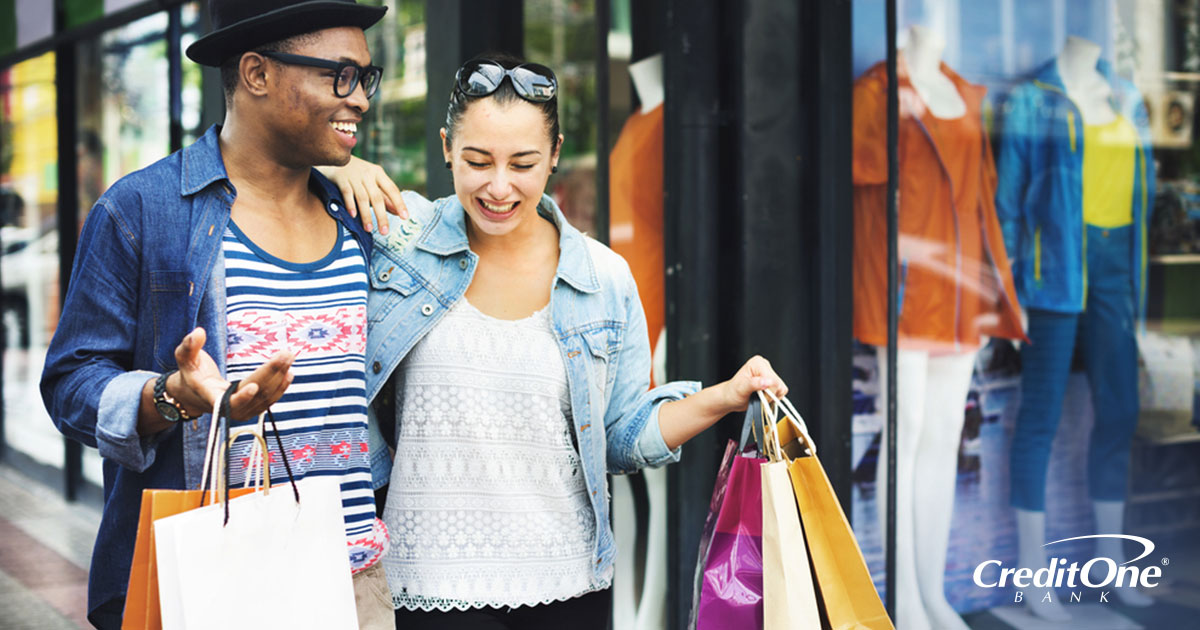 Couple shopping with credit card purchase protection enabled